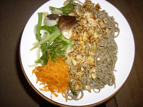 Hemp spaghetti, with steamed veg and fried almond flakes and seeds