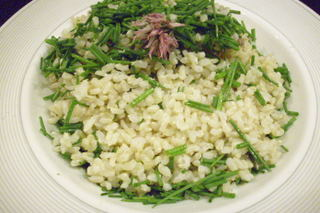 Brown rice and chives