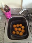 Washing oranges